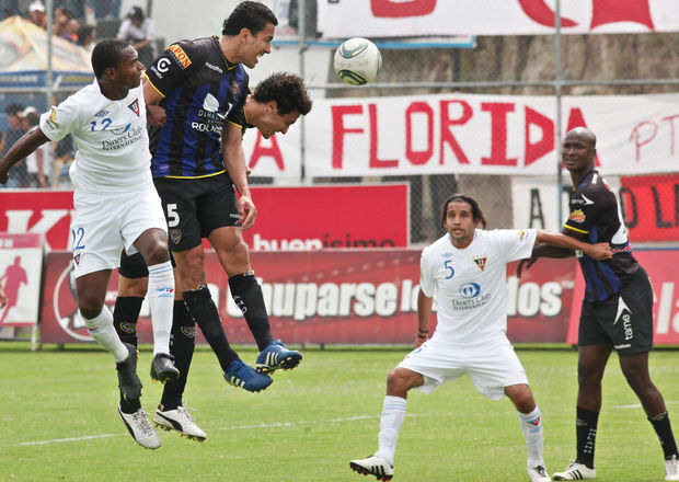 Independiente-Corozo-Quito-Eduardo-COMERCIO_ECMIMA20111122_0043_4