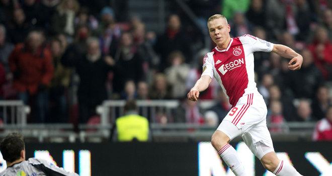 Ajax-v-FC-Zwolle-Kolbeinn-Sigthorsson-scores_2912735