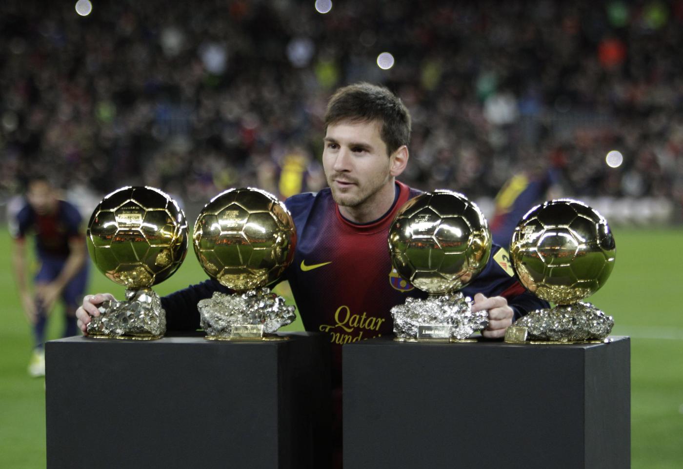 Lionel Messi al Camp Nou con i quattro Palloni d'oro
