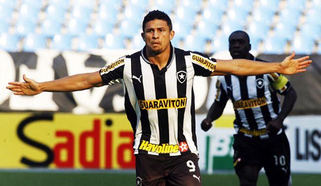 Botafogo-Nautico-Campeonato-Brasileiro-Elkeson_LANIMA20120909_0066_26