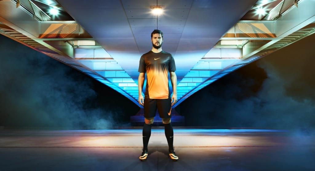 Nike_Destro_Roma
