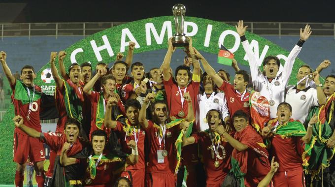 L'Afghanistan festeggia il successo per 2-0 contro l'India nella South Asian Football Championship.