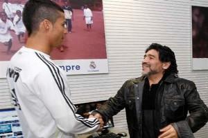 Diego-Maradona-and-Ronaldo-1