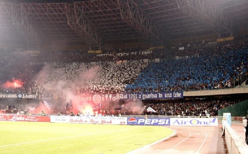 Stadio San Paolo tifosi spalti