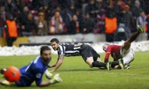 Galatasaray_Juventus_1-0_Sneijder_gol-620x376