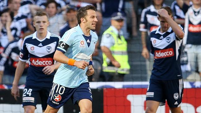 Alessandro Del Piero (39) in azione contro il Melbourne Victory.