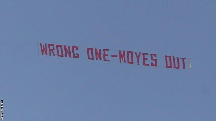 La scritta che ha accolto  David Moyes oggi pomeriggio ad Old Trafford (Getty)