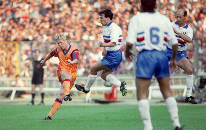 Ronald Koeman durante la finale Barcellona Sampdoria di Coppa dei Campioni 1991