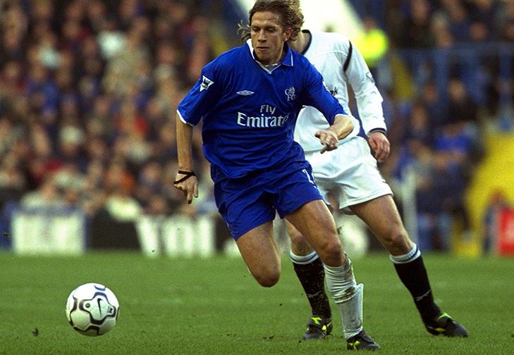 Un giovanissimo Sam Dalla Bona in azione con la maglia del Chelsea.