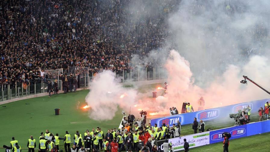 AIC shock: il 35% dei giocatori riceve minacce e violenze dai tifosi