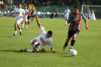 Antonio Candreva in azione con la maglia della Ternana.