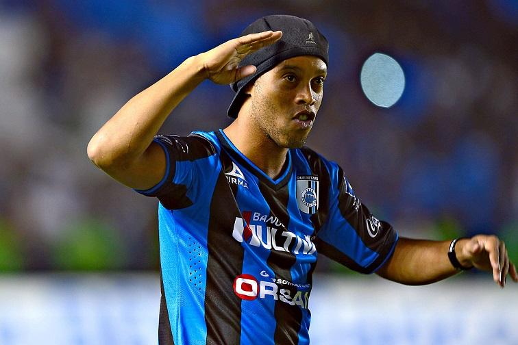 """Tifosi del Gremio contro Ronaldinho: """"Sei un farabutto"""""""