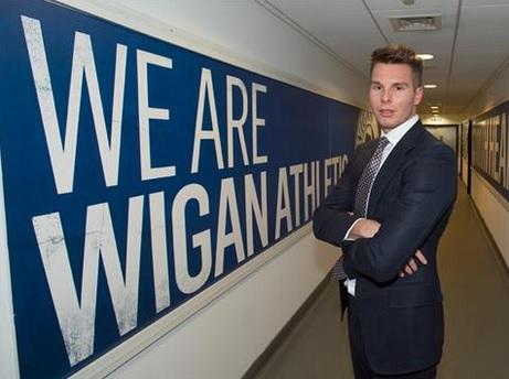 Wigan, un casting sul web per il nuovo ds