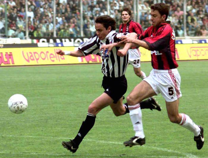 Filippo Inzaghi e Alessandro Costacurta in un' azione di gioco durante Juventus-Milan il 9 maggio 1999. ANSA / D'ALBERTO