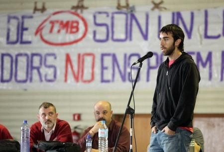 Oleguer durante un comizio in un centro sociale in vista delle elezioni municipali del maggio scorso.