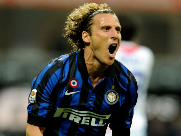 Diego-Forlan-Inter-Milan-vs-Catania_2792447