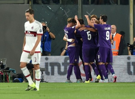 FLORENCE, ITALY - AUGUST 23:  Josip Ilicic of Fiorentina celebrates with team-mates after scoring the goal 2-0 during the Serie A match between ACF Fiorentina and AC Milan at Stadio Artemio Franchi on August 23, 2015 in Florence, Italy.  (Photo by Giuseppe Bellini/Getty Images)