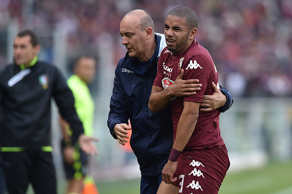 TURIN, ITALY - NOVEMBER 02: Bruno Peres of Torino FC walks off with an injury during the Serie A match between Torino FC and Atalanta BC at Stadio Olimpico on November 2, 2014 in Turin, Italy. (Photo by Valerio Pennicino/Getty Images)