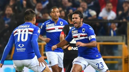 Sampdoria's forwards Citadin Martins Eder (R) celebrates with his teammate Carlos Joaquin Correa after scoring the goal 1-1 during the Italian Serie A soccer match Uc Sampdoria vs Empoli Fc at Luigi Ferraris Stadium in Genoa, Italy, 29 October 2015. ANSA/SIMONE ARVEDA