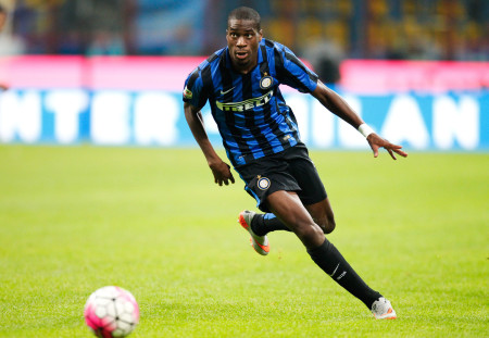 "Foto LaPresse - Spada 23 agosto 2015 Milano ( Italia) Sport Calcio Fc Inter - Atalanta Campionato di Calcio Serie A TIM 2015 2016 - Stadio ""S.Siro , Meazza  "" Nella foto: kondogbia Photo LaPresse - Spada 23 August 2015 Milan ( Italy) Sport Soccer Fc Inter - Atalanta Italian Football Championship League A TIM 2015 2016 - "" Mezza , S.Siro "" Stadium  In the pic: kondogbia"