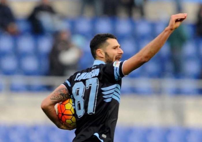 """Candreva esulta """"polemicamente"""" dopo il gol del pareggio"""