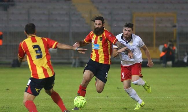 Davide Moscardelli in azione con la maglia del Lecce. Fonte: leccenews24.it