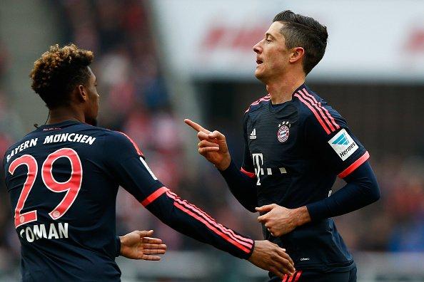 Bayern Monaco-Schalke 3-0: Lewa Show, rifinisce Vidal