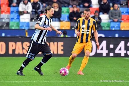 Kuzmanovic in azione (Foto: Petrussi foto press. Facebook Udinese Calcio 1896)