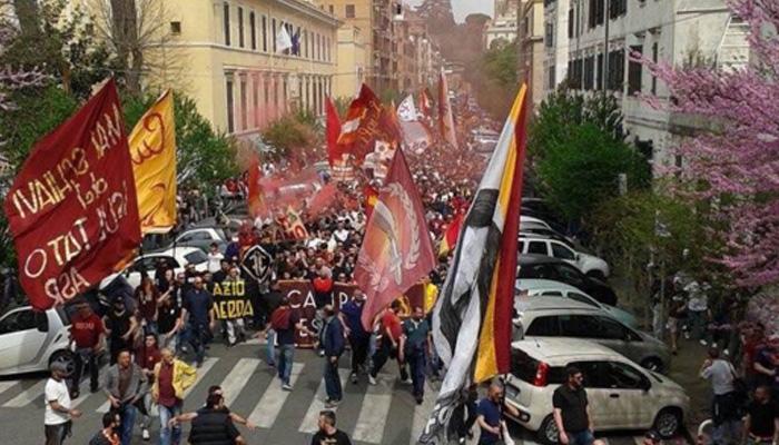 Corteo in occasione di Lazio-Roma - Fonte Twitter ufficiale AS Roma