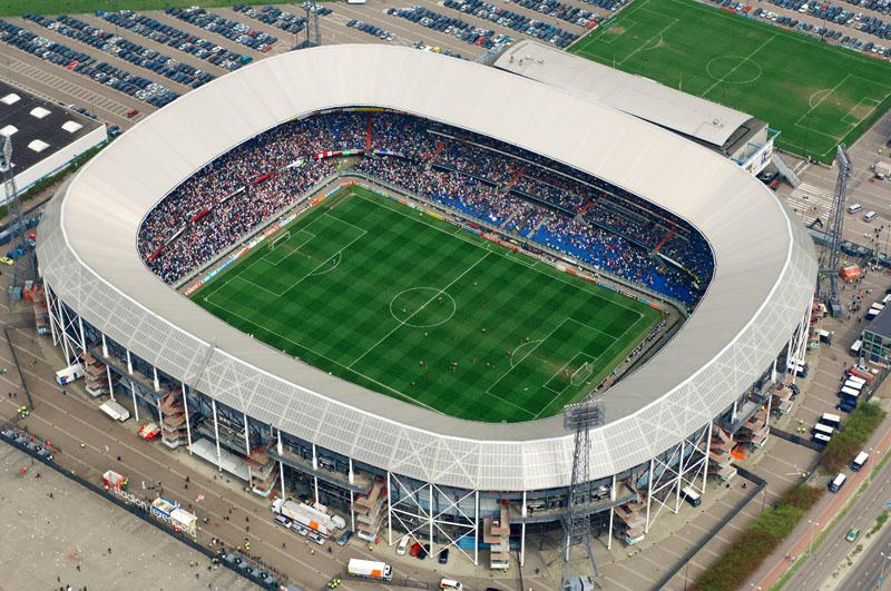 Veduta dall'alto dello stadio del Feyenoord - FOTO: skyscapercity.com