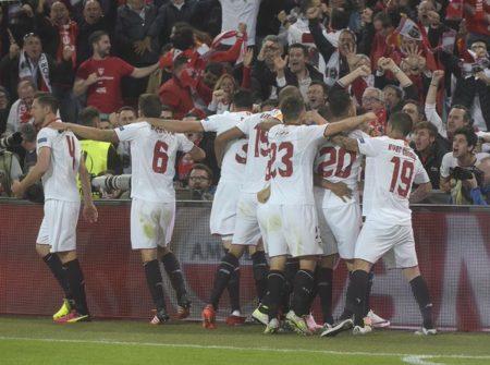 E' festa per gli spagnoli! - FOTO: account ufficiale Twitter Sevilla FC