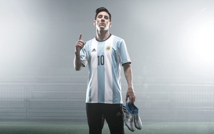 Fonte: Messi Adidas Mercury Pack