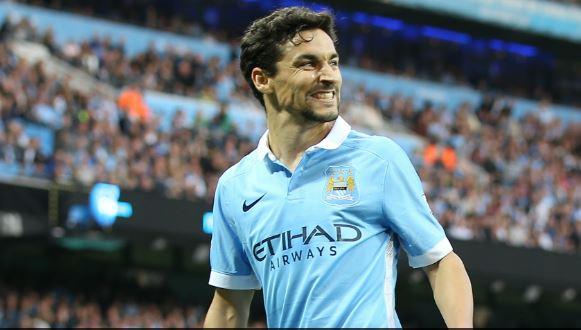 Jesus Navas con la maglia del Manchester City Fonte: mcfc.co.uk