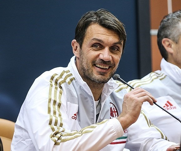 Paolo_Maldini_press_conference_in_Tehran
