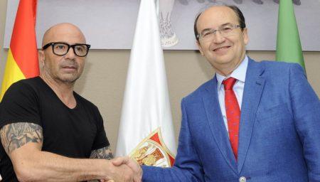 Jorge Sampaoli firma per il Siviglia / Fonte: Sito Ufficiale Sevillafc.es
