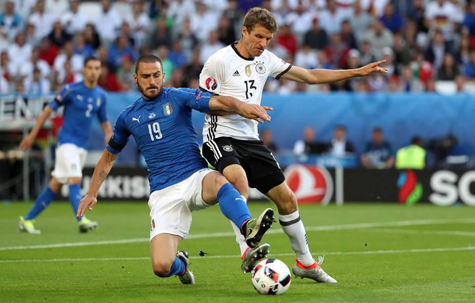 Bonucci in contrasto su Muller FOTO: @Germany Football Team - Die Mannschaft