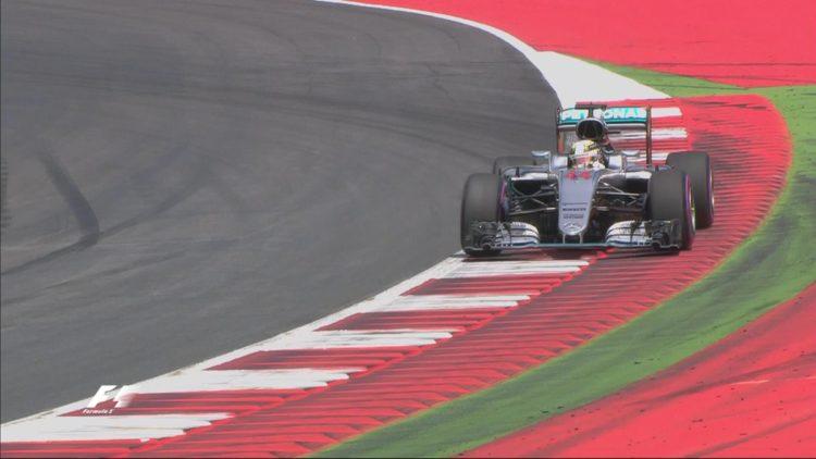 Formula 1, Lewis Hamilton conquista la pole position del Gp d'Austria - Fonte: Twitter @F1