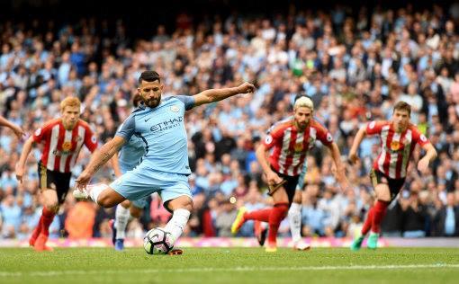 Il penalty realizzato in avvio da Sergio Aguero FOTO@mancity pagina ufficiale facebook
