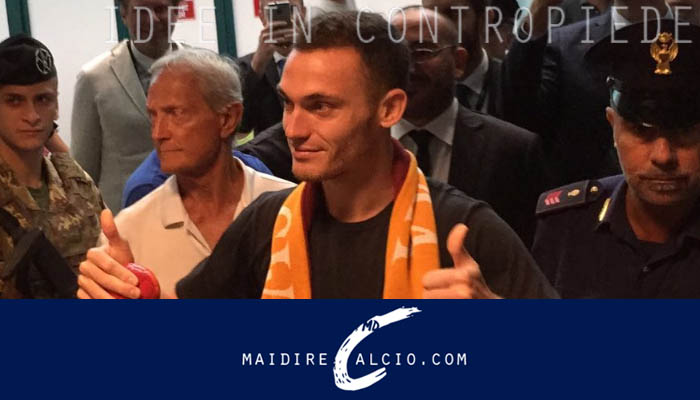 Thomas Vermaelen appena atterrato a Fiumicino - Calciomercato