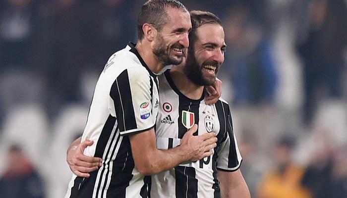 Chiellini e Higuain, Juventus-Napoli - Fonte: Juventus Twitter