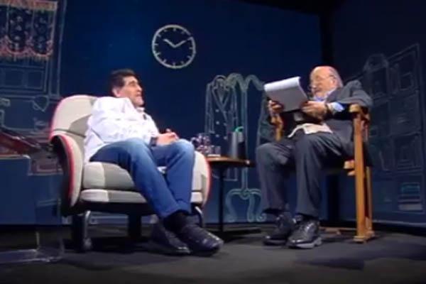 Diego Armando Maradona a L'Intervista di Maurizio Costanzo, Canale 5 - Fonte: Maurizio §Costanzo Twitter