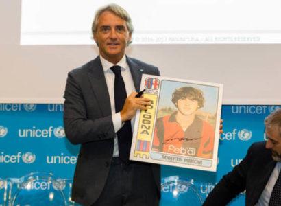 Roberto Mancini, Presentazione Panini - Fonte: Roberto Mancini Twitter