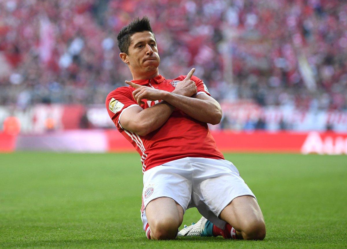 Bayern Monaco-Borussia Dortmund: Lewandowski, esultanza