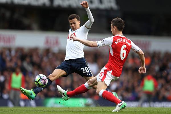 Tottenham-Arsenal - Premier League - Dele Alli contro Koscielny