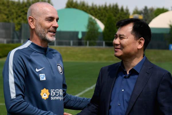 Stefano Pioli e Zhang Jindong alla Pinetina - Inter
