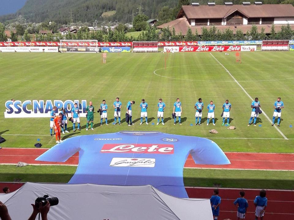 Napoli maglia azzurra 2017