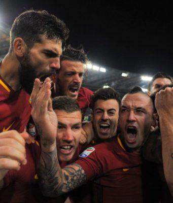 La festa dei giocatori della Roma
